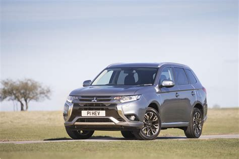 mitsubishi outlander phev price 2017 mitsubishi outlander phev juro specs and pricing