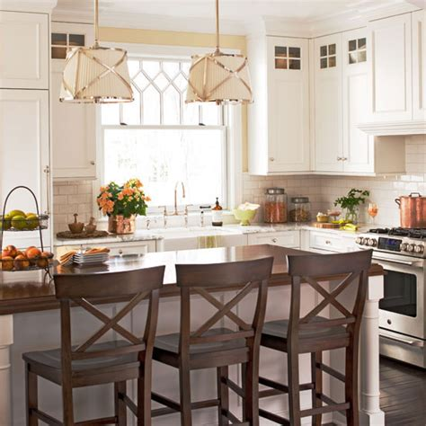 Images Of Kitchens With White Cabinets Off White Kitchen Cabinets Traditional Kitchen Bhg