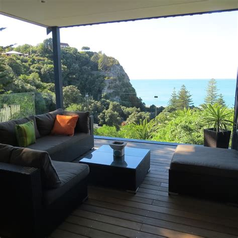 airbnb marine parade napier jo s retreat houses for rent in napier hawke s bay new