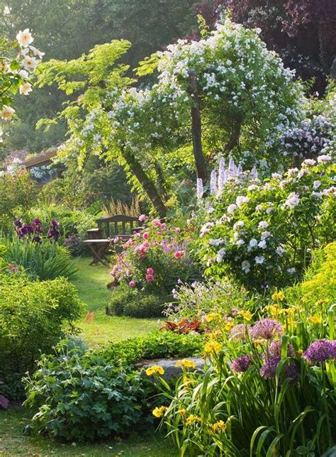 Gardens Of Two by Best 25 Beautiful Gardens Ideas On Gardens