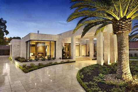 Designer Luxury Homes | timeless contemporary luxury homes with glamorous interior