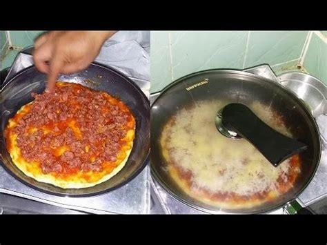 cara membuat pizza pakai teflon cara membuat pizza sederhana di rumah dengan teflon youtube