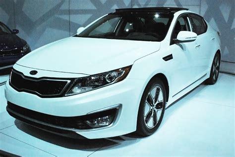 Hyundai Elantra Vs Kia Optima La Auto Show