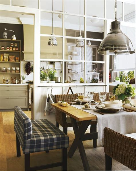 Window Between Dining Room And Kitchen Tartan Un Tocco In Stile Spazio Soluzioni