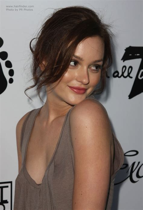long hairstyle keep hair away from face leighton meester hairstyle every day updo to keep your