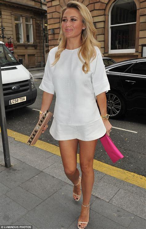alex wilson in white dress go fashion 05 04 14