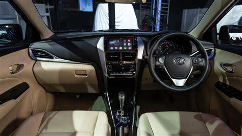 how make cars 2012 toyota yaris interior lighting toyota yaris interior