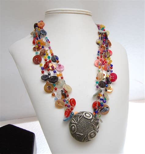 Handmade Button Jewellery - 349 best images about jewelry button necklace on