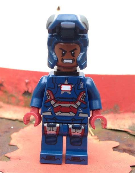 Lego 30168 Ironman Minifigure lego iron patriot minifigure review photos exclusive