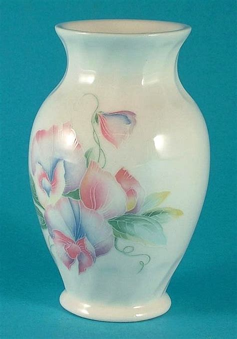 Aynsley Sweetheart Vase by Aynsley Sweetheart Small Bud Vase 9 Cms In Height