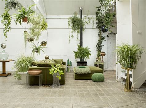 amazing pantone  interiors  greenery color