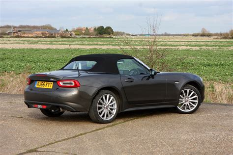 fiat convertible fiat 124 spider convertible 2016 photos parkers