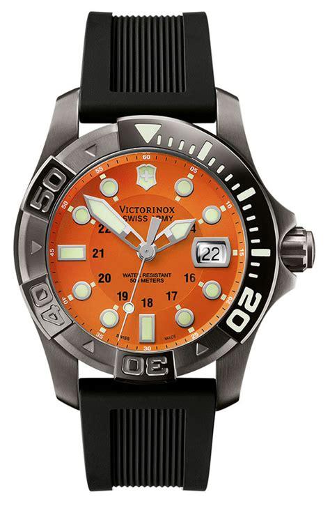 Swiss Army Ravva Hitam Orange swiss army dive master 500 s model 241428