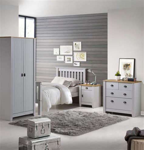 bedroom furniture in bedroom furniture