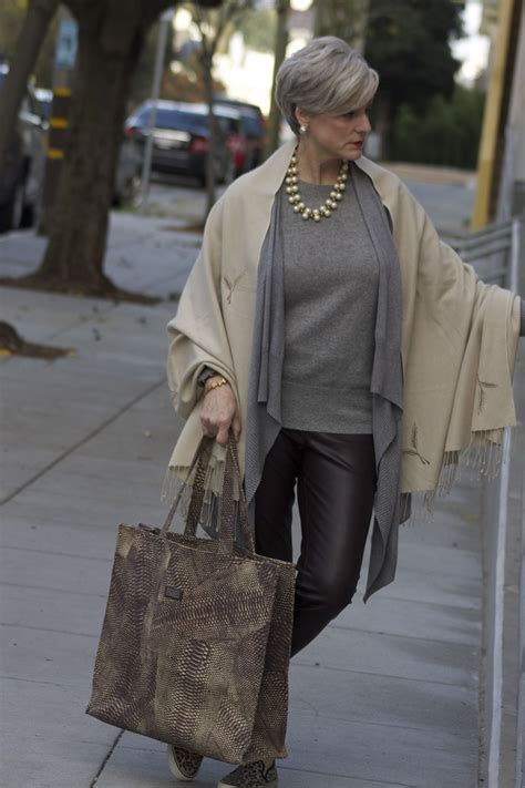 pinterest mature women fashion love how she layered her tops way cool clothes