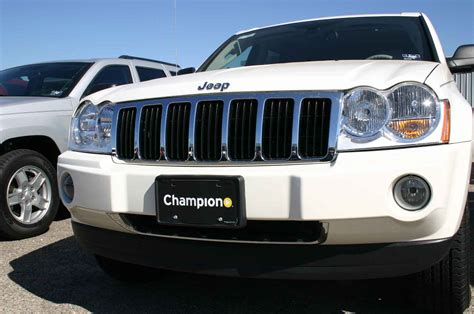 chrome jeep cherokee jeep grand cherokee chrome grille insert overlay trim