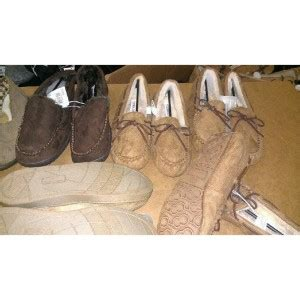 bulk house slippers wholesale house slippers 350 ct gaylords extreme bargains