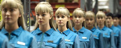 film robot humain quot real humans quot des robots 100 humains sur arte news