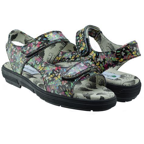 sandals golf g2085 patent black flowers spikeless golf sandal