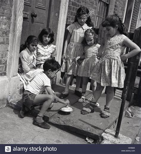 1950s historical immigrant children on the doorstep outside stock photo 131126413 alamy