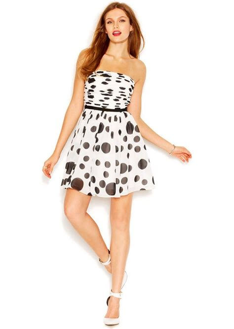 2 Die 4 Single Printed Jersey Strapless Dress by Guess Guess Strapless Bandeau Neck Dot Print Flared Dress