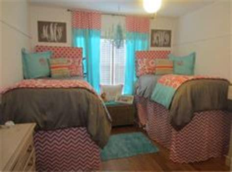 sorority bedroom sorority house room on pinterest dorm room bedding