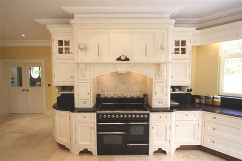 bespoke kitchen 10 kitchenfindr