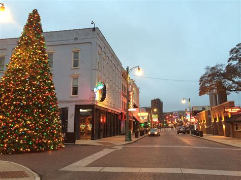 christmas lights memphis tn memphis holiday events guide 2015 christmas parades