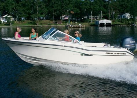 grady white dual console boats grady white freedom 192 dual console small but smart