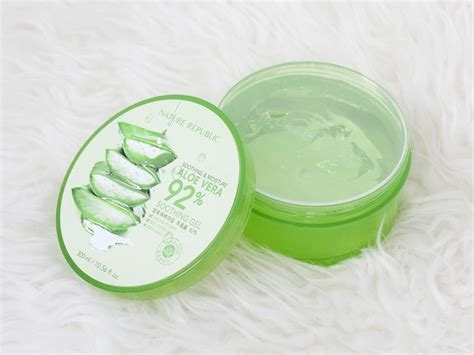 Nature Republic Soothing Gel Review review nature republic soothing moisture aloe vera 92