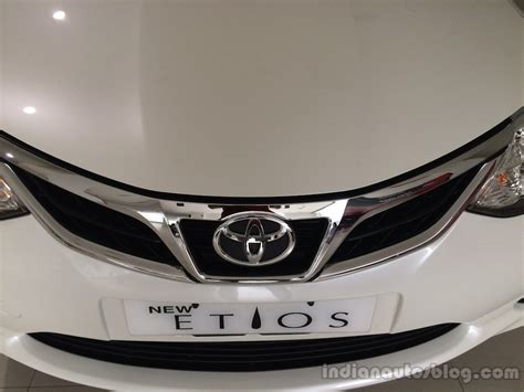 Grille Depan Chrome Toyota Etios Valco refreshed toyota etios etios liva arrive at dealers