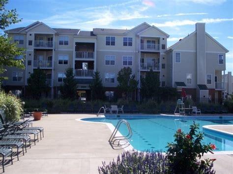 one bedroom apartments in herndon va dulles greene apartments herndon va walk score