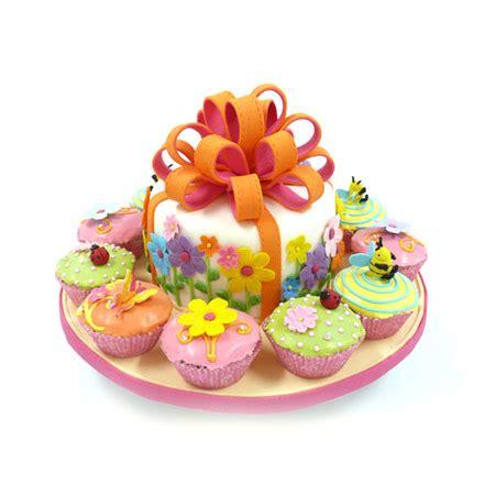 Flower Box 3 เค กการ ต น 3 ม ต luktan bakery