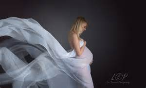 maternity photographer orchard photography maternity bumps portraits shebbear