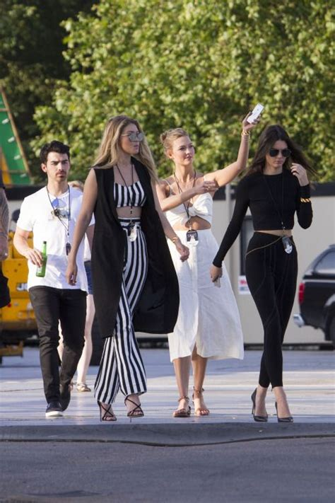 taylor swift style hyde park gigi hadid karlie kloss kendall jenner arriving at
