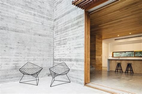 spotted gum cladding  concrete envelope nifty aussie home