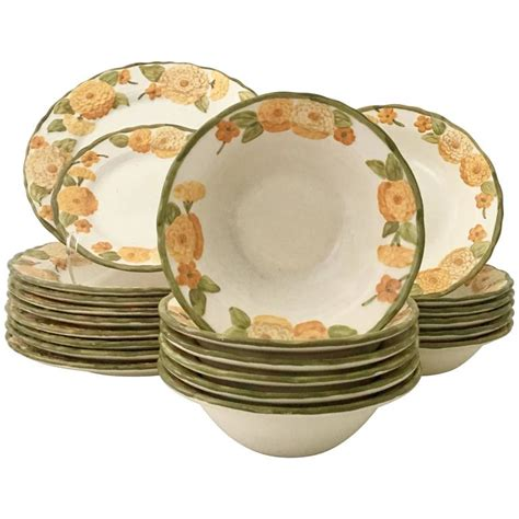 Zinia Set 1960s ceramic metlox quot zinnia quot dinnerware set of 22 pieces for sale at 1stdibs