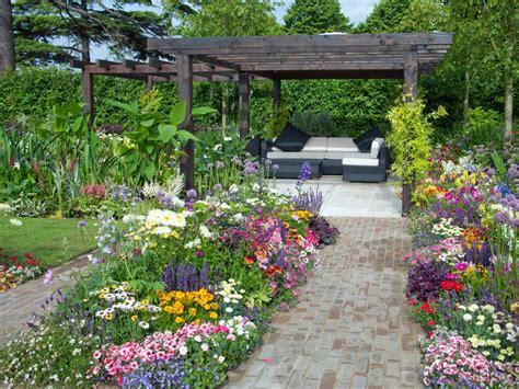 best small flower garden goodhomez com low maintenance and high maintenance gardens hgtv