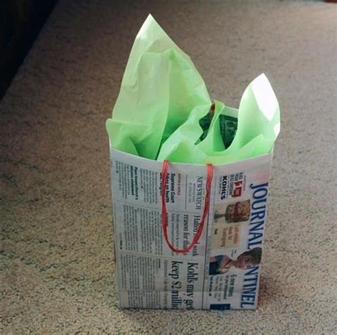 Handmade Paper Articles - 15 easy newspaper craft ideas for to make at home