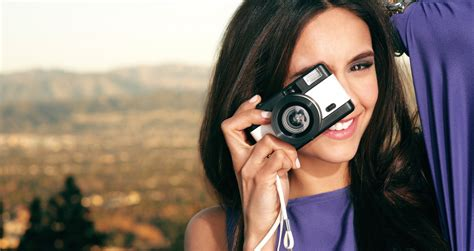 girl with camera wallpaper hd 13 photography skills for people who don t have expensive
