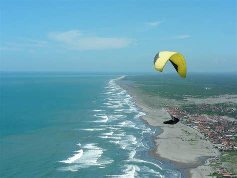 paragliding parangtritis beach yogyakarta indonesia