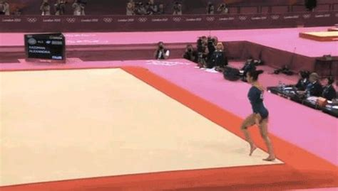 layout gymnastics move aly raisman s dramatic final night at the olympics