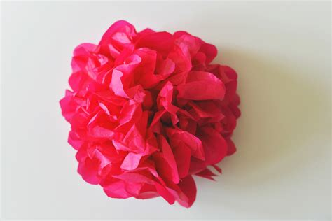 Flowers With Tissue Papers - diy tissue paper flower backdrop