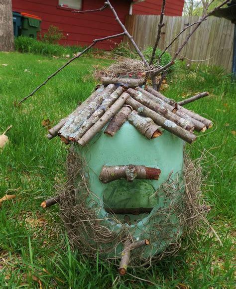 milk gallon jug bird feeder birdfeeder homemade craft