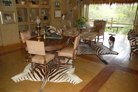 Safari Themed Bedroom Decor by Safari Bedroom Decorating Ideas