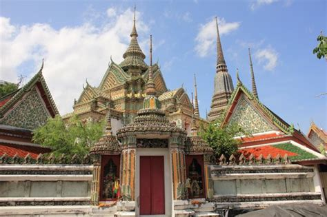 temple of the reclining buddha wat pho wat pho templo de buda reclinado picture of temple of