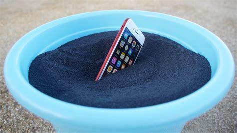 iphone  su polvere da sparo video assurdi iphone