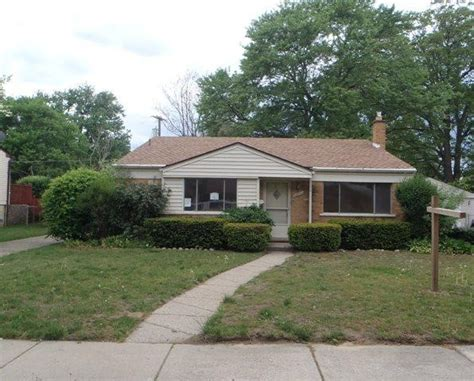 20043 maplewood st livonia mi 48152 foreclosed home