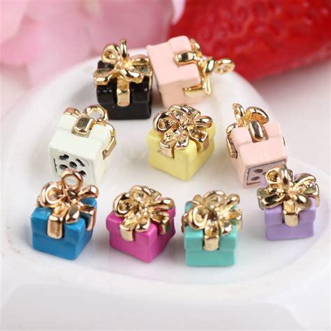 Diskon Gift Box Charm 3d birthday gift box shape diy jewelry charms 30pcs fashion phone chain keyring handbag earring