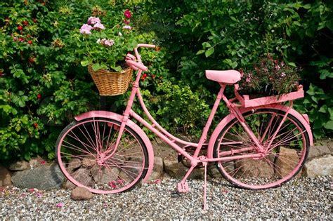 Fahrrad Lackieren Bilder by Altes Weibliches Fahrrad Lackiert Rosa Als